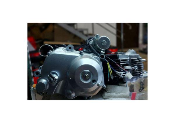 Двигатель на квадроцикл 110 кубов полуавтомат 1+1